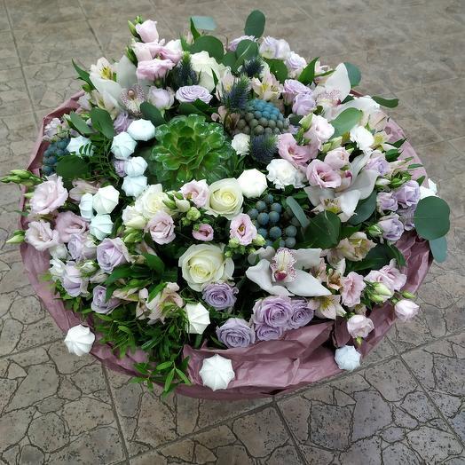 Дизайнерский букет в лавандовых и сиреневых оттенках: букеты цветов на заказ Flowwow