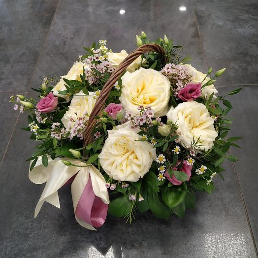 Ароматная корзина с пионовидной розой 🥰: букеты цветов на заказ Flowwow