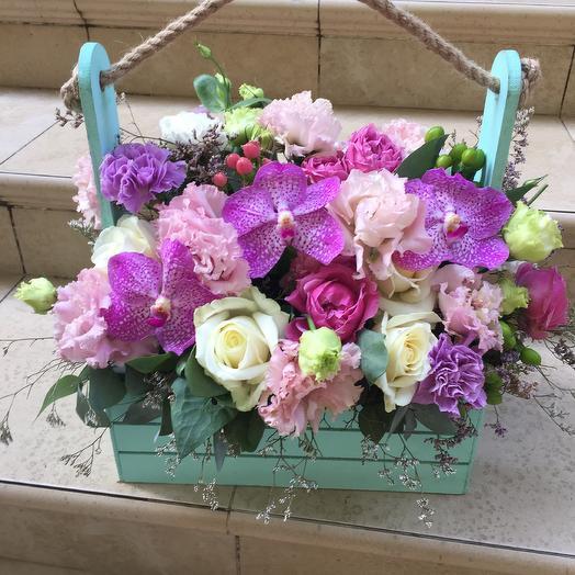 Деревянный ящик «Престиж»: букеты цветов на заказ Flowwow