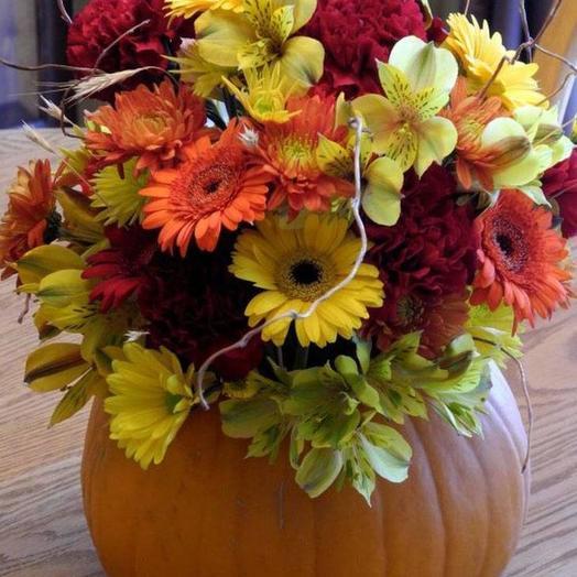 Подарочная тыква с цветами
