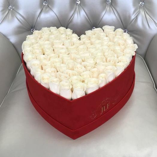 51 роза в коробочке сердце