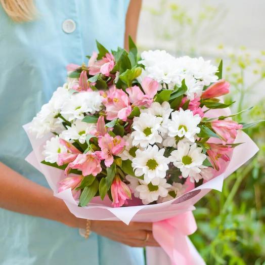 Букет из кустовой хризантемы и альстромерии «Эдит»