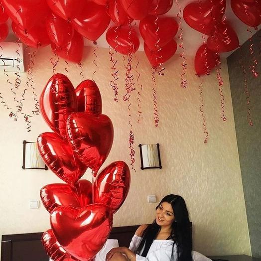 30 сердец под потолок+фонтан из фольгированных сердец: букеты цветов на заказ Flowwow