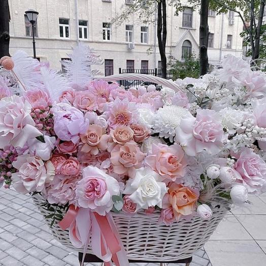 Корзина с цветами большая
