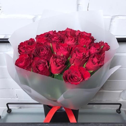 25 красных роз 40 см