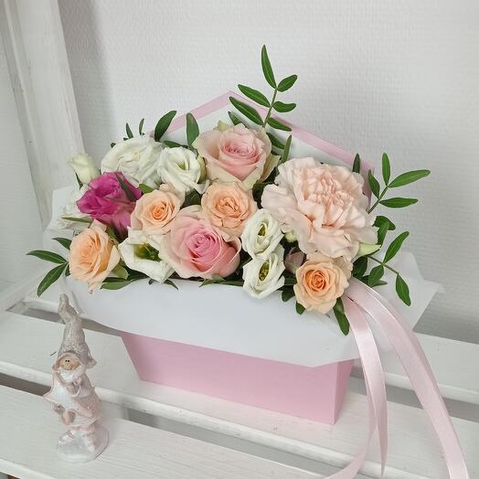 """""""Нежность роз"""" С розами и эустомой в конверте"""