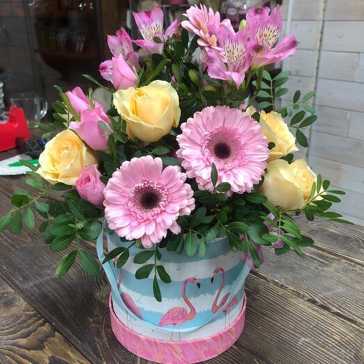 Цветы в коробке Фламинго