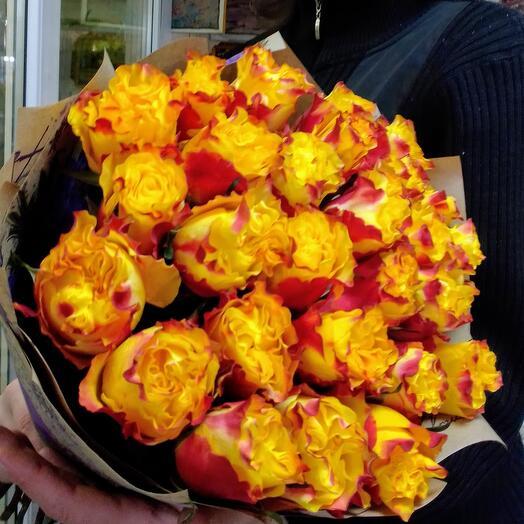 25 ярких премиум роз Эквадор