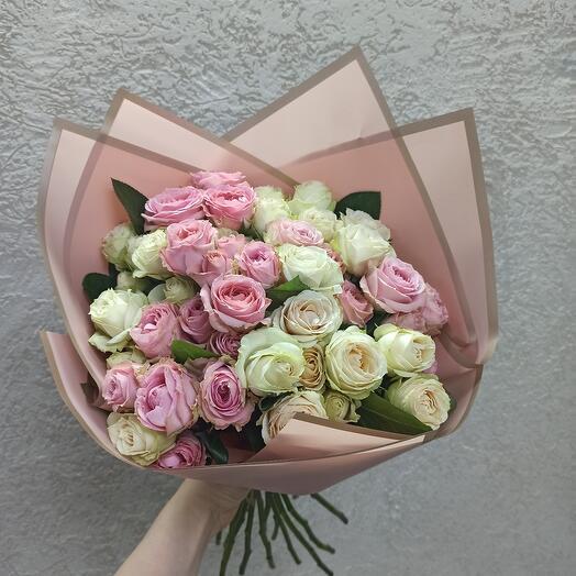 Красивый букет роз Эквадор