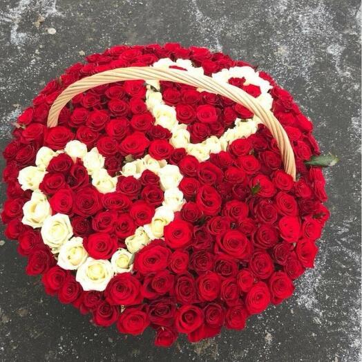 Корзина с цветами 151 роза