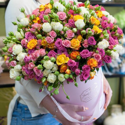 Коробка с цветами В лучах света