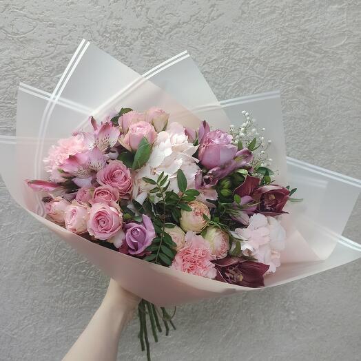 Шикарный букет с гортензией, орхидеей и ассорти цветов