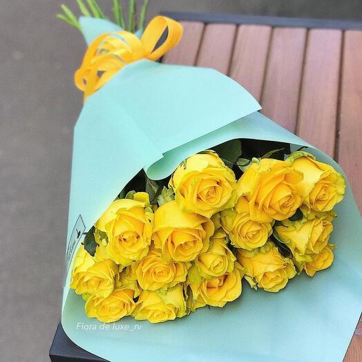 15 жёлтых роз Кения