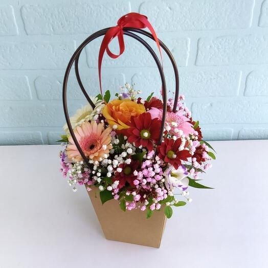 Цветы в коробке Стильные