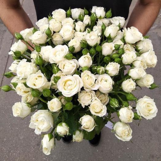 Букет из 10 белых кустовых роз 50 см: букеты цветов на заказ Flowwow