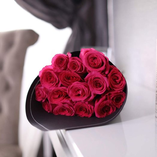 Букет из 15 роз Pink Floyd