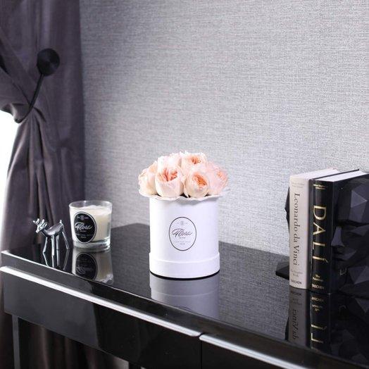 Розы Juliet в шляпной коробке Demi White