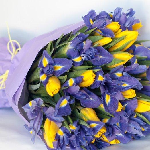 Ирис и Желтый Тюльпан: букеты цветов на заказ Flowwow