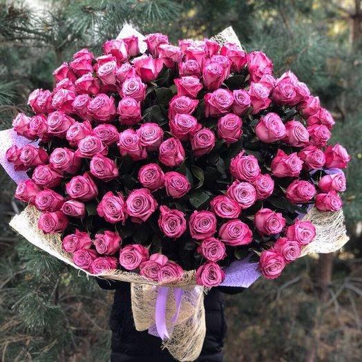 101 Голландская роза Moody Blue 100 см