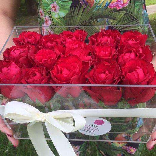 Розы в кристальном боксе: букеты цветов на заказ Flowwow