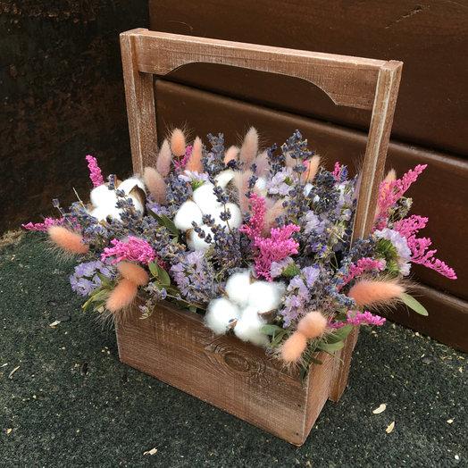 Сухоцветы в ящичке: букеты цветов на заказ Flowwow