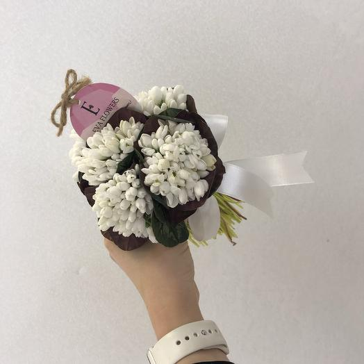 Маленький букет подснежников: букеты цветов на заказ Flowwow