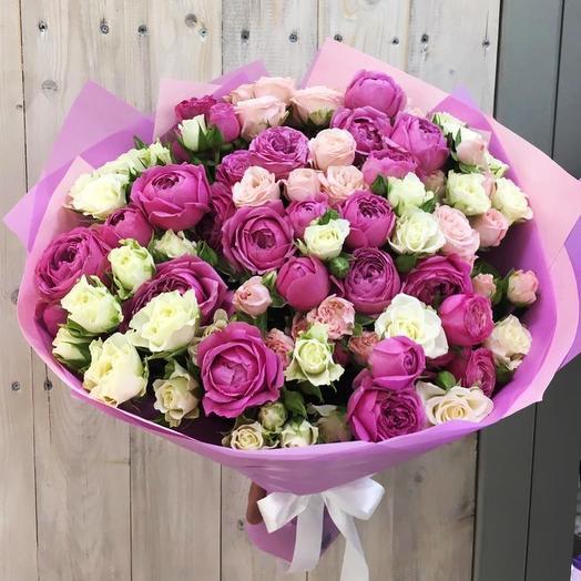 Нежное облако из пионовидных роз: букеты цветов на заказ Flowwow