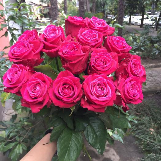 Букет из малиновых роз: букеты цветов на заказ Flowwow