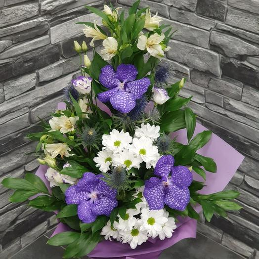 """Designer bouquet with the Orchid Vanda """"My Queen"""": flowers to order Flowwow"""