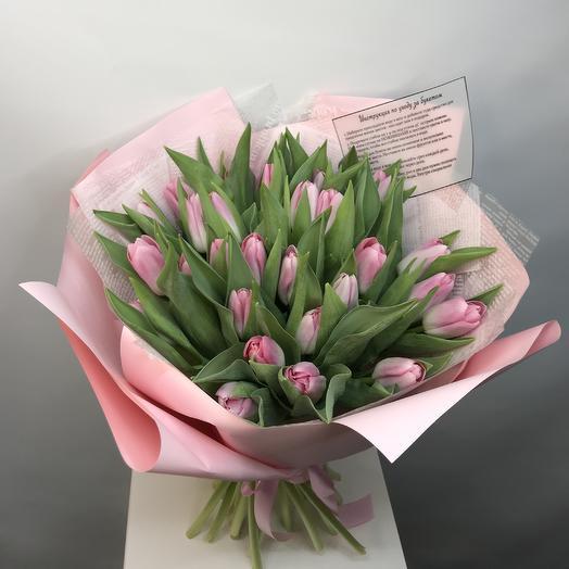 31 хрустящий розовый тюльпан: букеты цветов на заказ Flowwow