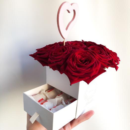 9 роз с рафаэлло: букеты цветов на заказ Flowwow