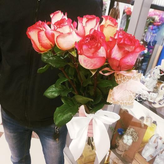 Розы в ленте
