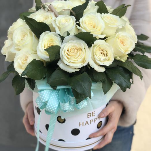 Белые розы в коробочке