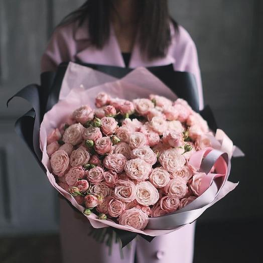 Большой букет из кустовых пионовидных роз Мадам Бомбастик: букеты цветов на заказ Flowwow
