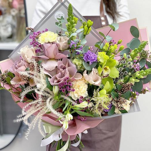 Роскошный авторский букет с розами и орхидеями