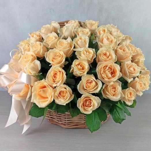Корзина из 75 кремовых роз