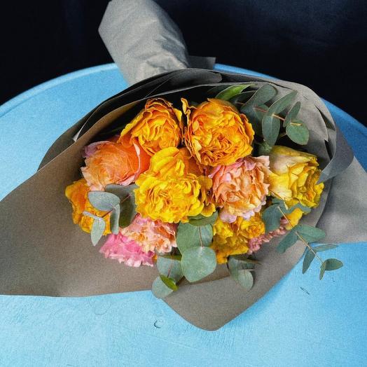 Моно букет из 15 пионовидных роз