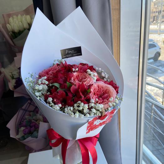 Букет-комплимент с пионовидными розами