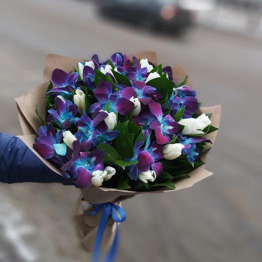 Дендробиум с тюльпанами