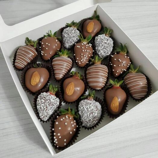 Набор из клубники в шоколаде 3