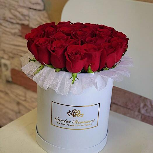 25 red roses in a box