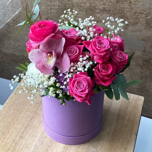 Розовые Цветы в коробке