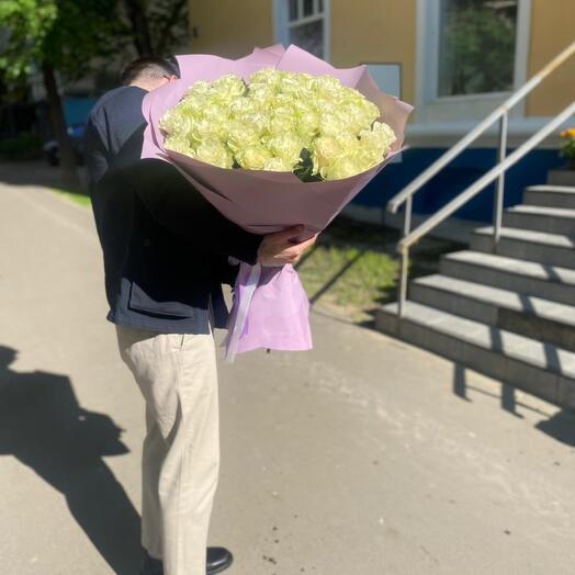 5 белые розы