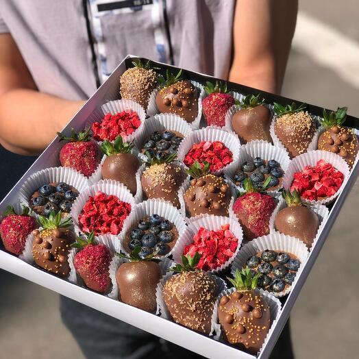 Фрукты и ягоды в шоколаде Berry Kingdom XL