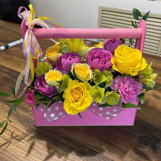 Ящик с пионовидной розой