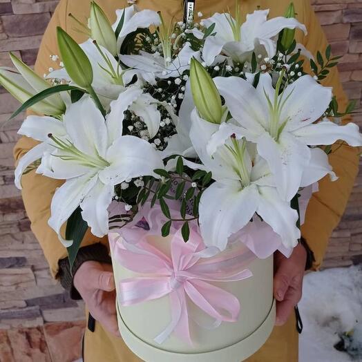 Цветы в коробке «Белоснежка»