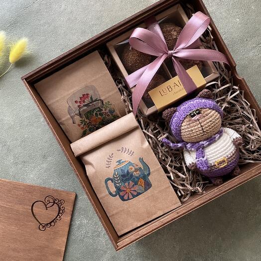Подарочный набор: чай, кофе, ПП-трюфели, игрушка