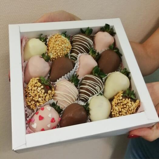 Клубника в шоколаде 16 шт