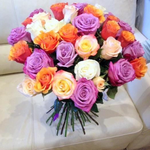 Букет из 35 разноцветных голландских роз 60 см: букеты цветов на заказ Flowwow