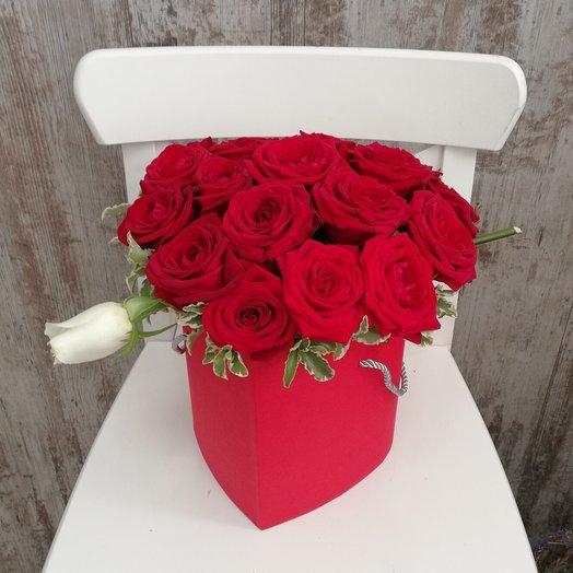 Стрела и сердце: букеты цветов на заказ Flowwow